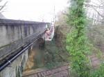 """Travaux de remplacement exceptionnels & périlleux d'une canalisation sous le pont de la voie ferrée """"rue Pierre Mendès France"""" à Beuzeville"""